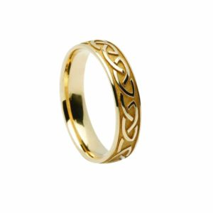 Celtic Gents ring having Knot Raised Pattern Band in Gold