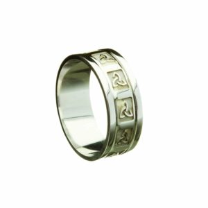 Trinity Knot Embossed Patterned Ring With Heavy Flat Rims