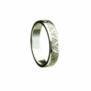 Trinity Knot Embossed Patterned Narrow Ring