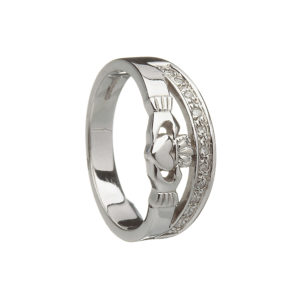 Claddagh ring with 10 diamonds in an arch